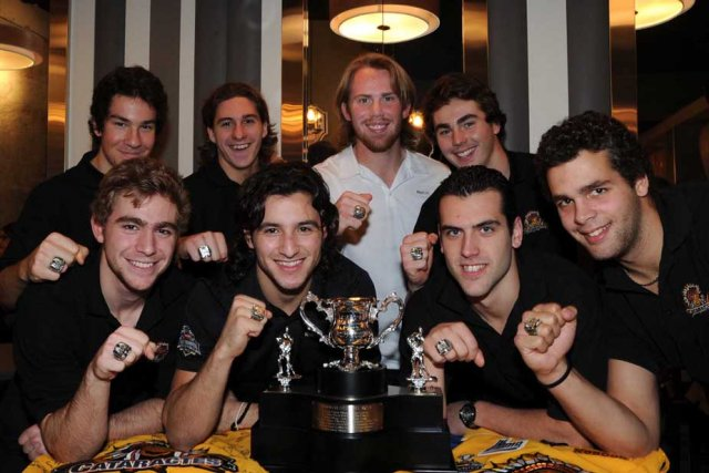 Des joueurs heureux de leur nouvelle acquisition. Première... (Photo: Sylvain Mayer)