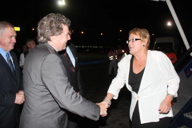 Pauline Marois à son arrivée à l'aéroport de... (Photo La Presse)