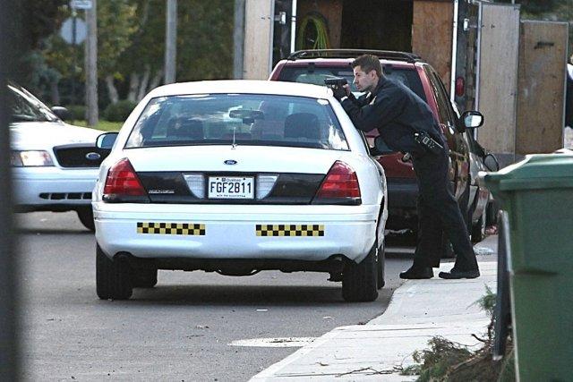 La police, sur les lieux de l'opération, à... (Photo Patrick Sanfaçon, La Presse)