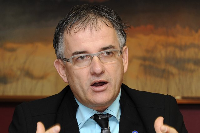 Le ministre Réjean Hébert estime qu'il faudra au... (Photo: Maxime Picard, La Tribune)