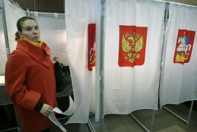 le pouvoir russe crie victoire aux lections l 39 opposition voit des fraudes luc perrot europe. Black Bedroom Furniture Sets. Home Design Ideas