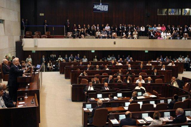 Un député de gauche, Dov Khenin, du parti... (Photo: AFP)