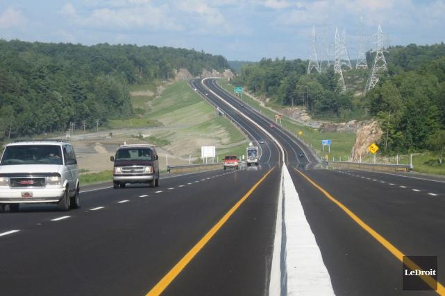 Le tronçon de 18 km de l'autoroute 50... (Jessy Laflamme, LeDroit)