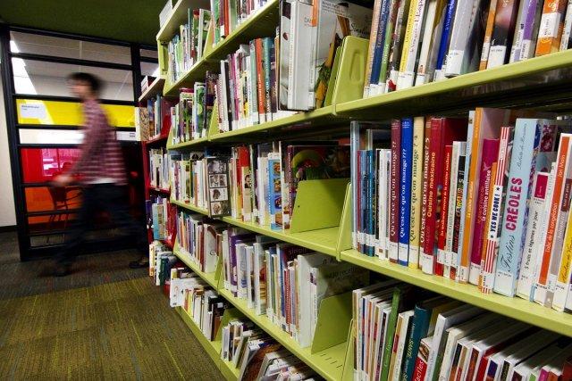 Malgré l'arrivée de la Grande Bibliothèque, le Québec... (Photo archives Le Soleil)