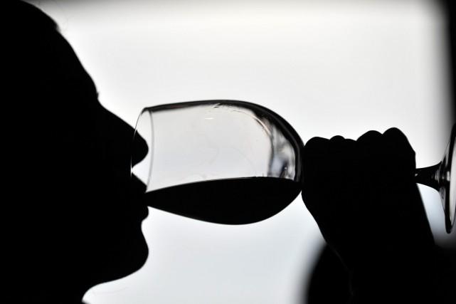 Le vin rouge contribuerait à la diversité de... (Archives AFP)