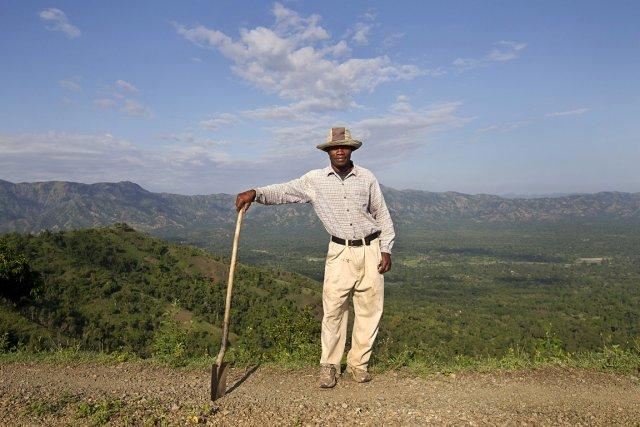 Johny Dalfils est un ouvrier à l'exploration minière... (Photo: Robert Skinner, La Presse)
