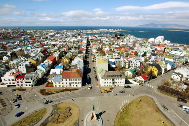 Vue aérienne de la capitale islandaise Reykjavik.... (PHOTO ODD ANDERSEN, ARCHIVES AFP)