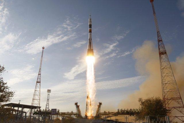 Les Russes Oleg Novitski et Evgueni Tarelkine, ainsi... (Photo AFP)