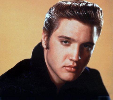 Il y a l'album Dans les souliers d'Elvis, qui figure en cinquième position du... (Archives La Presse)