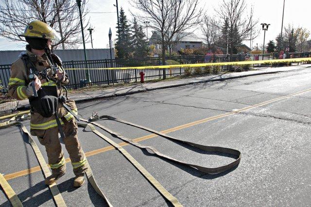 Un vaste périmètre de sécurité a été érigé,... (Photo Patrick Sanfaçon, La Presse)
