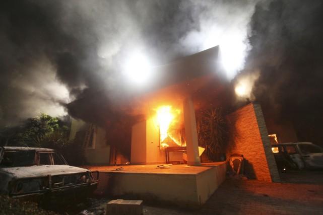 Le consulat américain de Benghazi a été incendié... (PHOTO ESAM Al-FETORI, ARCHIVES REUTERS)