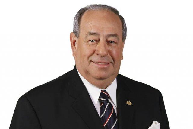 Bertrand A. Ward, pilier du parti du maire... (Photo fournie par Union Montréal)