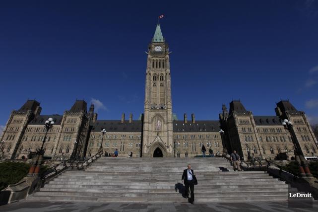 Le gouvernement fédéral a affiché un déficit conforme aux prévisions contenues... (PHOTO SIMON SÉGUIN-BERTRAND, ARCHIVES LEDROIT)