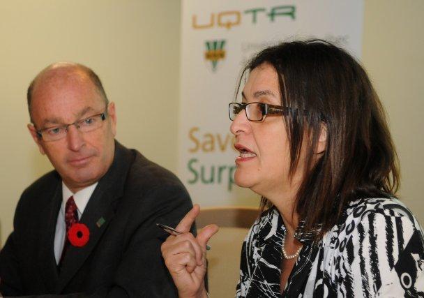 Yves Lévesque, maire de Trois-Rivières, et Nadia Ghazzali,... (Photo: François Gervais)