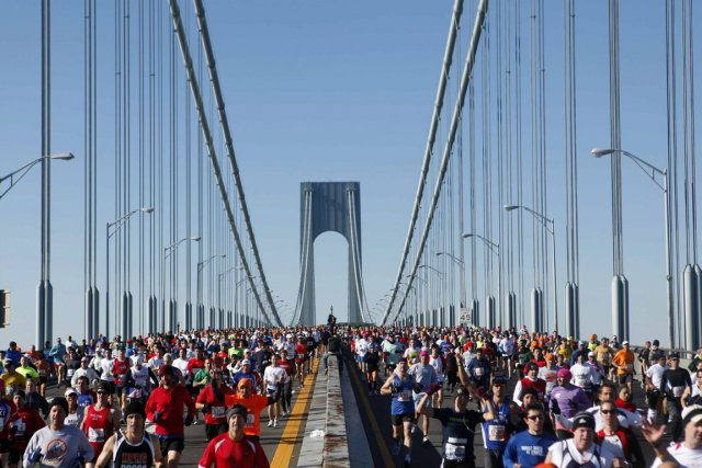 Le marathon de New York attire chaque année... (Photo : archives AP)