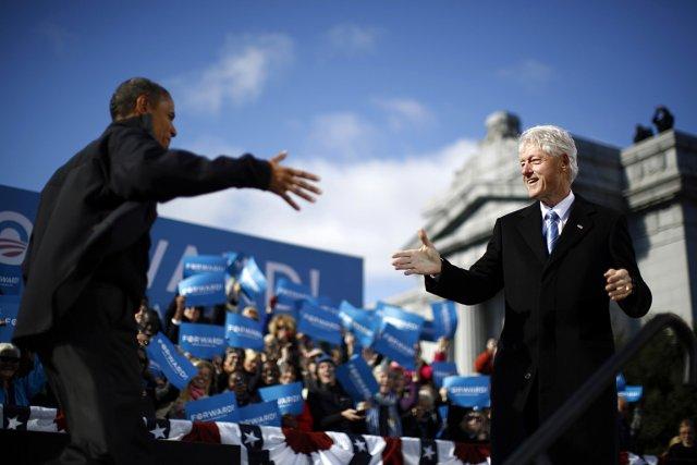 L'ancien président des États-Unis Bill Clinton et le... (Photo: Reuters)