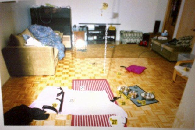 Le tapis par terre montre l'emplacement où se... (Photo fournie par la Cour)
