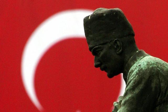 La statue de Mustafa Kemal Atatürk à la...