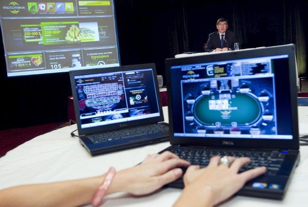 Les Québécois sont de plus en plus friands de télévision et de vidéos  sur le... (Archives La Presse)