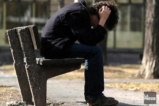 Le taux de suicide des Québécois a continué de baisser en 2010 et 2011, selon... (Photothèque La Presse)