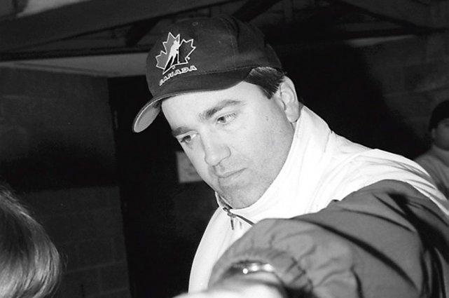 Larry Ring a été entraîneur-chef des Gee Gees... (Archives, LeDroit)