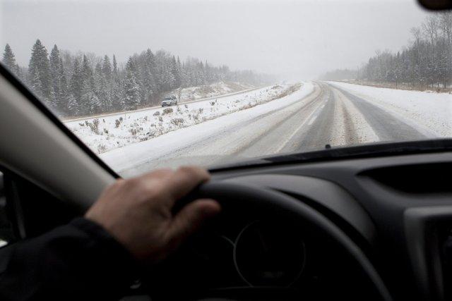 Bien malins ceux qui arriveraient à prévoir quel type d'hiver nous attend au... (Archives PC)