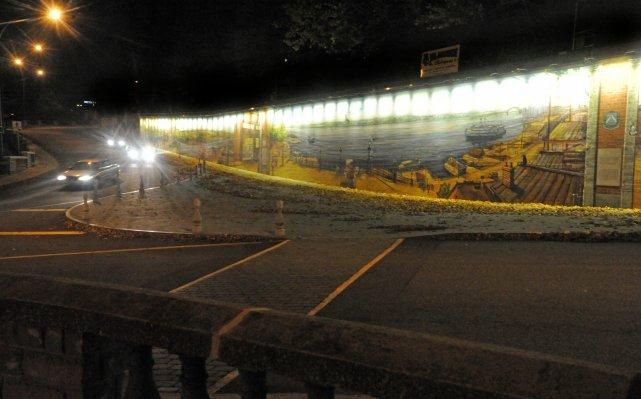 La fresque sur l'histoire de Trois-Rivières est maintenant... (Photo: Stéphane Lessard)