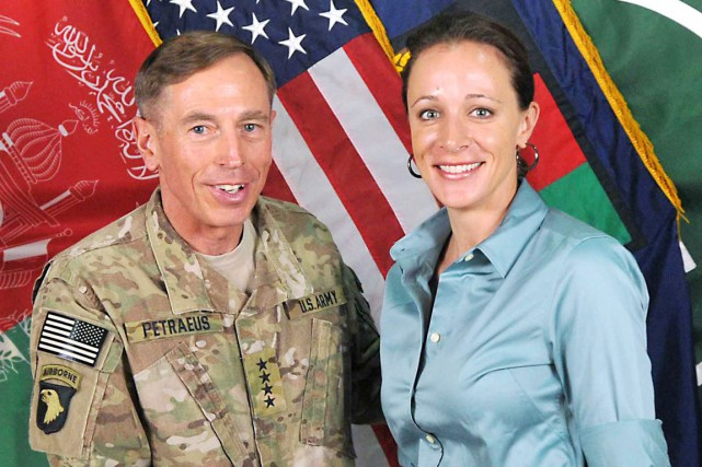 David Petraeusavait démissionné de la CIA en novembre... (PHOTO ARCHIVES AFP)