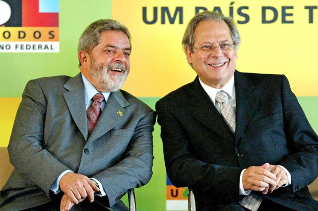 José Dirceu (à droite), l'ancien chef de cabinet... (PHOTO EVARISTO SA, AFP)