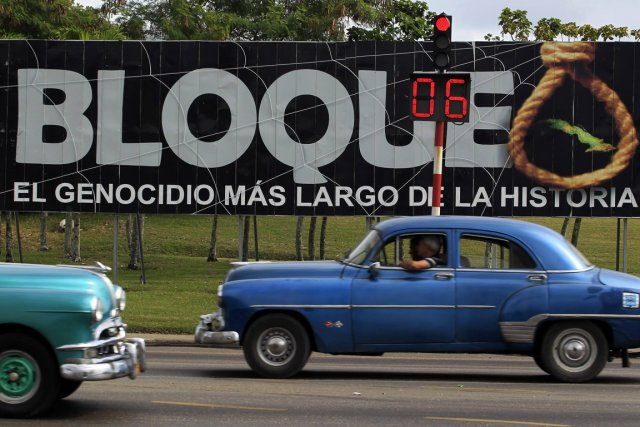 «Embargo. Le plus long génocide de l'histoire», peut-on... (Photo: Reuters)