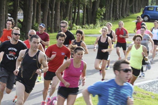 La course de 5km au crépuscule du club... (PHOTO Stéphane Champagne, archives la voix de l'Est)