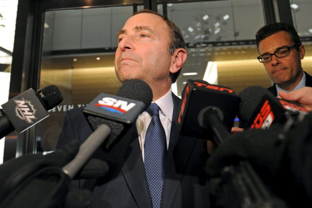 Le commissaire de la LNH, Gary Bettman.... (Photo: AP)