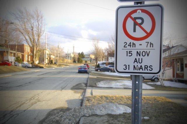 Jusqu'au 31 mars, il est formellement interdit de laisser son véhicule  garé la... (Archives La Tribune)