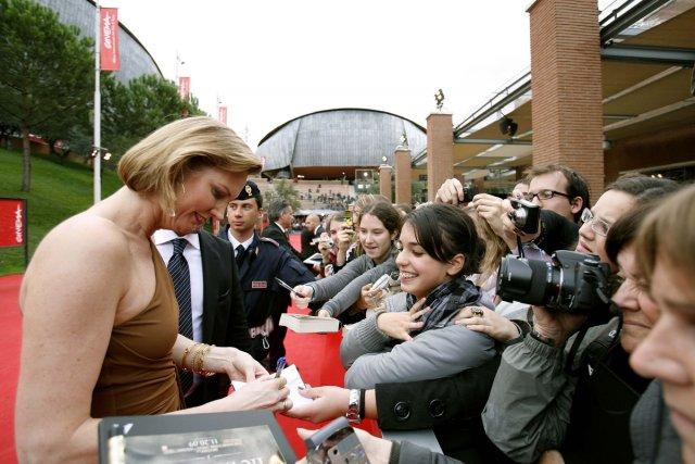 Melissa Rosenberg en pleine séance de signatures au... (Photo: Reuters)