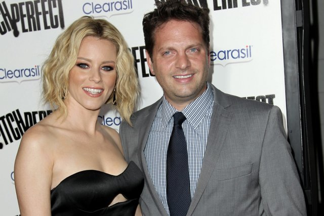 Elizabeth Banks et son mari Max Handelman... (Photo: AP)