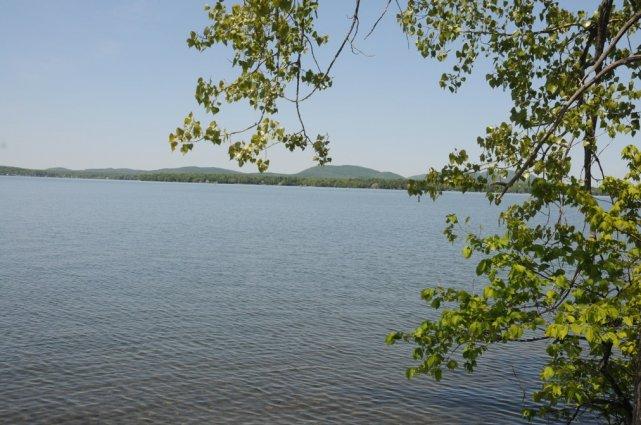 Le lac Brome, comme des milliers d'autres lacs... (photo Janick Marois archives La Voix de l'Est)