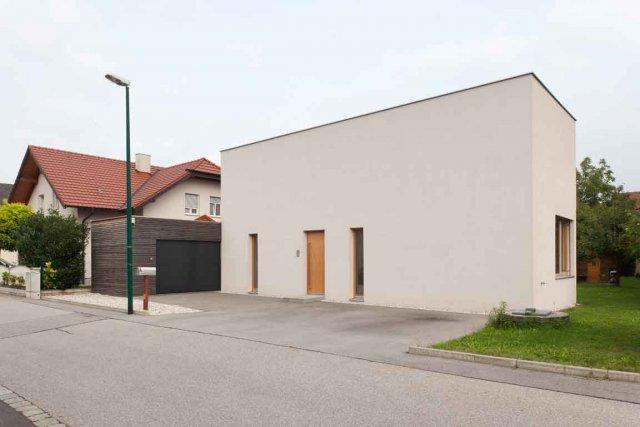 Intrigante, cette maison autrichienne sans fenêtre en façade. Il faut toutefois...
