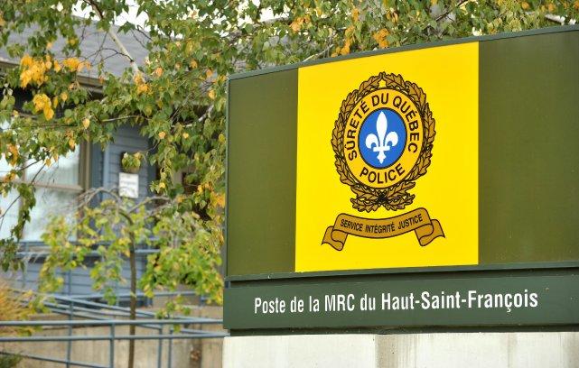 Les policiers de la Sûreté du Québec poursuivent leurs efforts dans la  MRC du... (Archives La Tribune, Jessica Garneau)