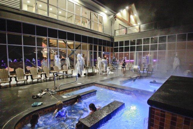 Les bains et les espaces de détente du... (Photo fournie par le Boréalis Spa)
