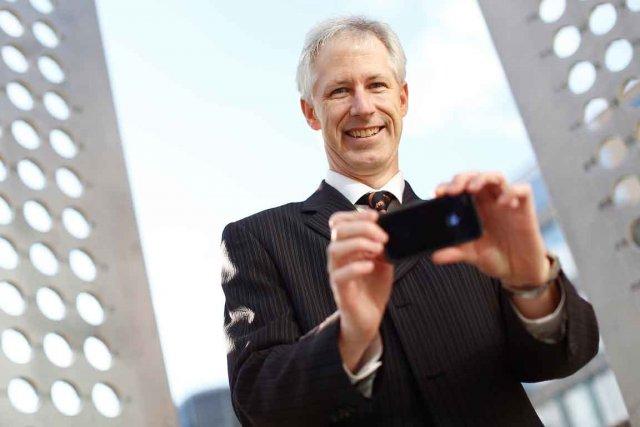Denis François Gravel, fondateur de TEDx Québec, souligne... (Le Soleil, Yan Doublet)