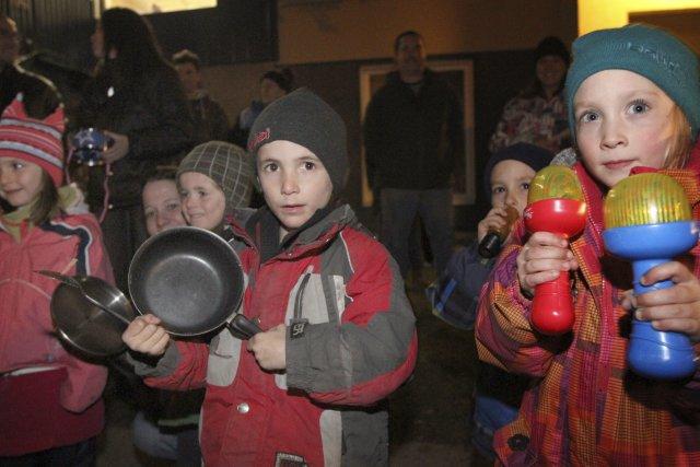 En colère, les parents des 80enfants touchés par... (Photo Stéphane Champagne)