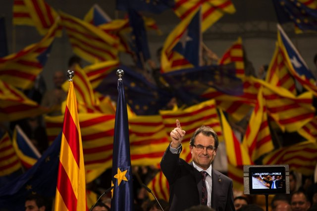 Bien que le président nationaliste de la Catalogne,... (Photo Emilio Morenatti, Associated Press)