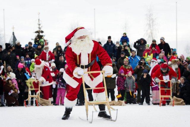 Samedi matin dans ce bourg de Laponie, les... (Photo Jonathan Nackstrand, Agence France-Presse)