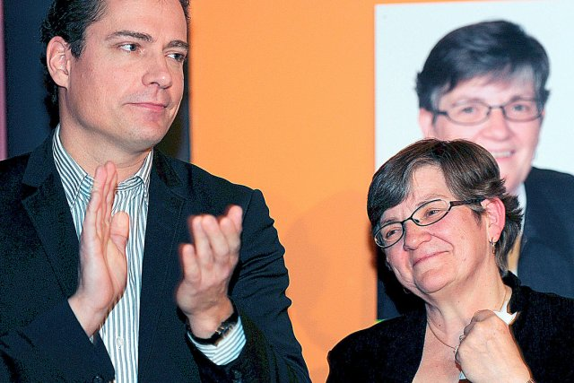 Tristes de leur défaite, la candidate de Québec... (Photo Le Soleil, Erick Labbé)