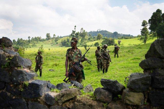 Des combattants du M23, photographiés en banlieue de... (PHOTO PHIL MOORE, AFP)
