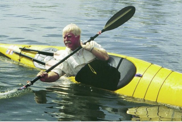 Pour Derek Hutchinson, la bonne longueur d'un kayak... (Photo The Telegraph)