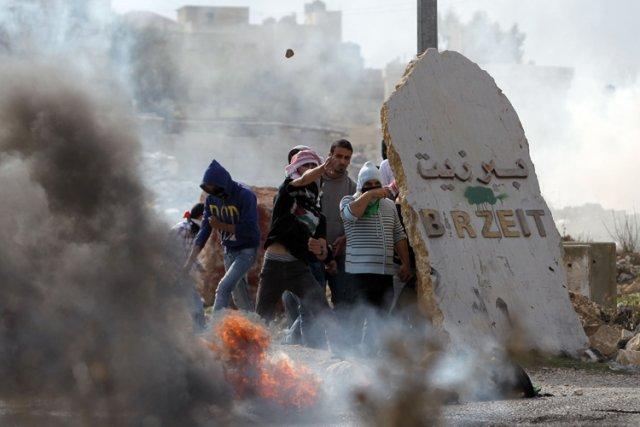 Lundi, les raids aériens israéliens ont fait 32... (Photo: AFP)