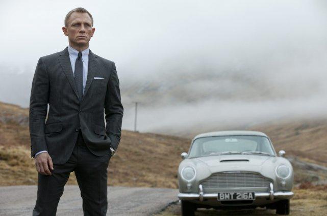 Daniel Craig, qui incarne James Bond, s'enfuit à... (Photo François Duhamel, Columbia Pictures/AP)