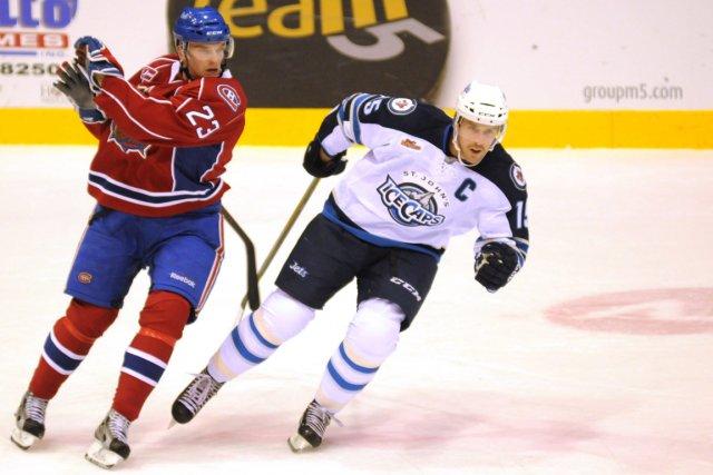 Cédrick Desjardins a repoussé 29 tirs et les Bulldogs de Hamilton ont pris la... (Photo La Presse Canadienne)