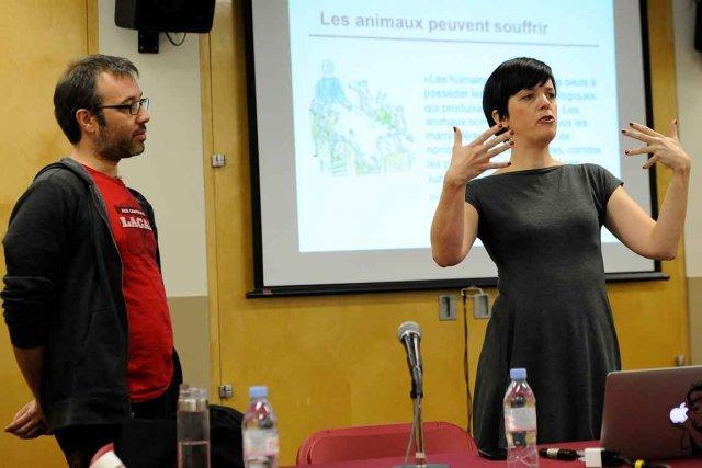 Élise Desaulniers et Martin Gilbert ont discuté éthique... (Le Soleil, Patrice Laroche)